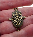 Antqiue Brass Ornate Hamsa Jewelry Connector 33x22mm