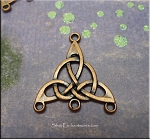 Copper Celtic Jewelry Findings, Triquetra Knots (10)