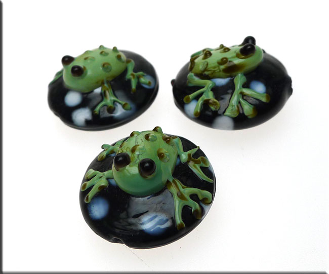 lworked frog bead glass bead