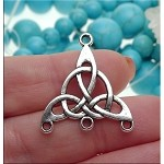 Celtic Jewelry Findings, Triquetra Jewelry Connectors (10)