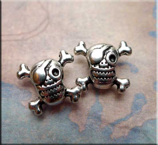 Set of 10 Pewter 5.5 mm SKULL BEADS with Vertical Hole 1451