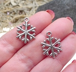 Silver Pewter Snowflake Charms 20x15mm 15 per bag