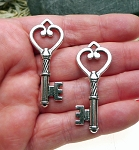 3-Dimensional Heart Key Pendants, Antique Silver (6)
