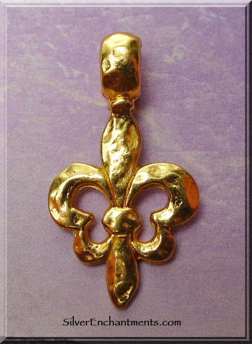 Gold tone Bailed Hammered Fleur d'Lis Necklace