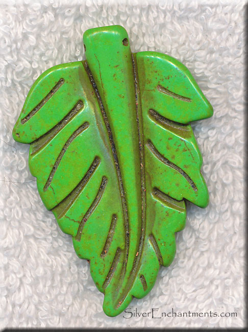 Magnesite Bead Pendants, Green Leaf Carved Large