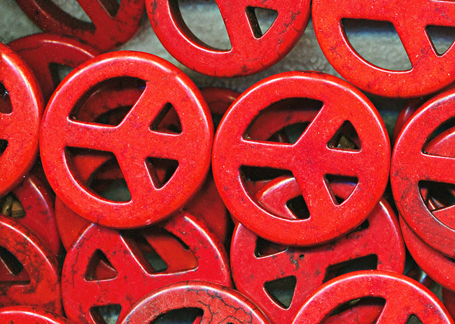 35mm Red Peace Sign Beads
