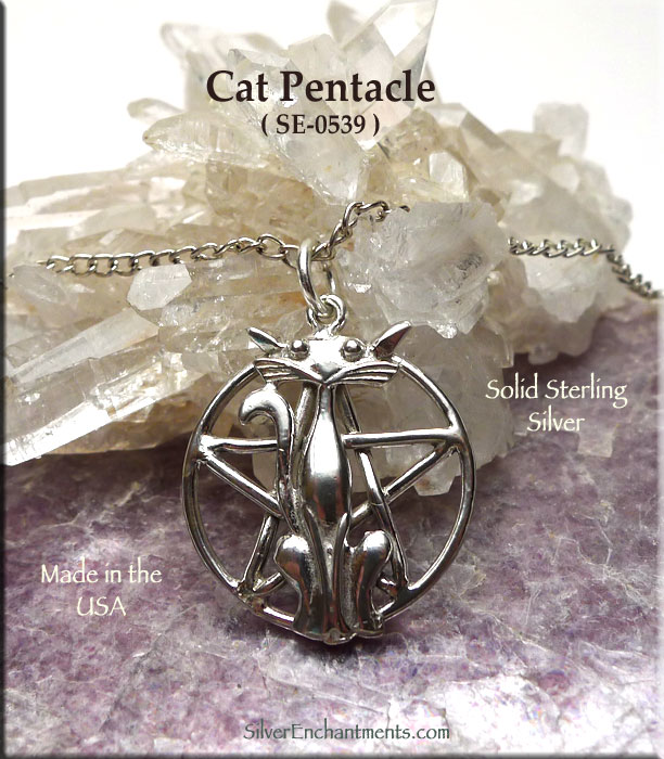 cat. 8 pieces of silver-plated metal charms pendants