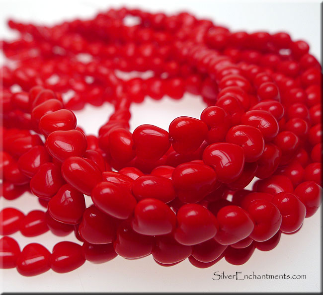 Czech Glass Beads, Opaque Red Heart 6mm - SOLDOUT