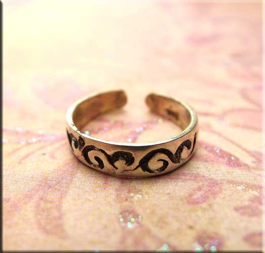 Sterling Silver Scroll Vine Motif Toe Ring