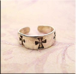 ZSOLD / Sterling Silver Cross Toe Ring