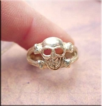 ZSOLD / Sterling Silver Skull Toe Ring