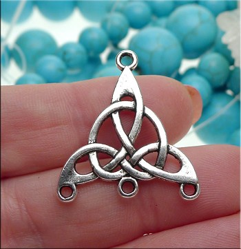 Celtic Jewelry Findings, Antique Silver Triquetra Jewelry Connectors (10)