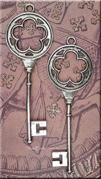 Flower Key Pendant, 3-inch Tibetan Silver Skeleton Keys (1)