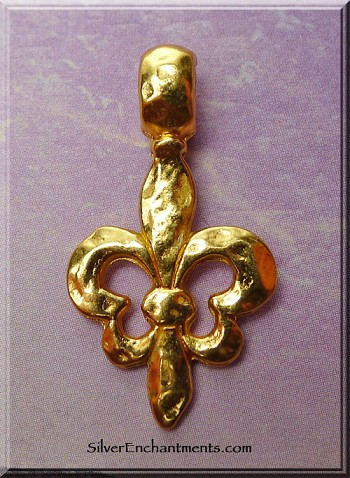 Hammered Fleur d'Lis Pendant, Bailed, Gold Finish