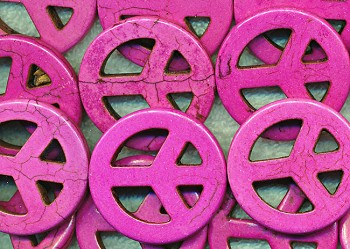 Magnesite Beads, Peace Sign Pink 35mm