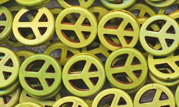 15mm Green Magnesite Peace Symbol Beads