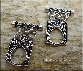 Sterling Silver Ornate Double-Sided Triple strand Toggle Clasp