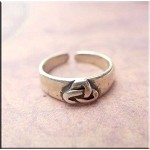 Sterling Silver Celtic Triquetra Toe Ring